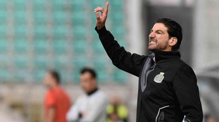 Jorge Simão: «Acho inacreditável como se marca um penálti naquele lance»
