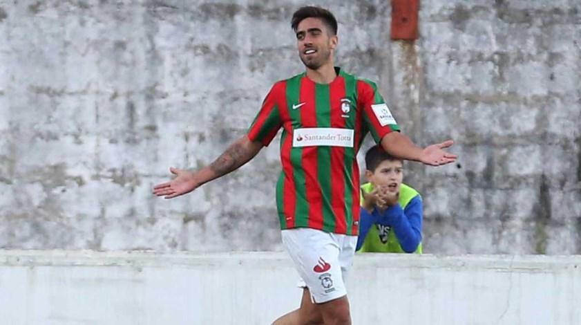 Rodrigo Pinho feliz pelo hat-trick