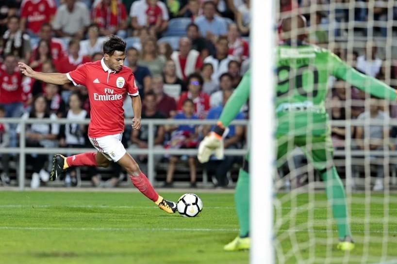 Nuno Gomes recomenda três jovens do Benfica e um do Sporting