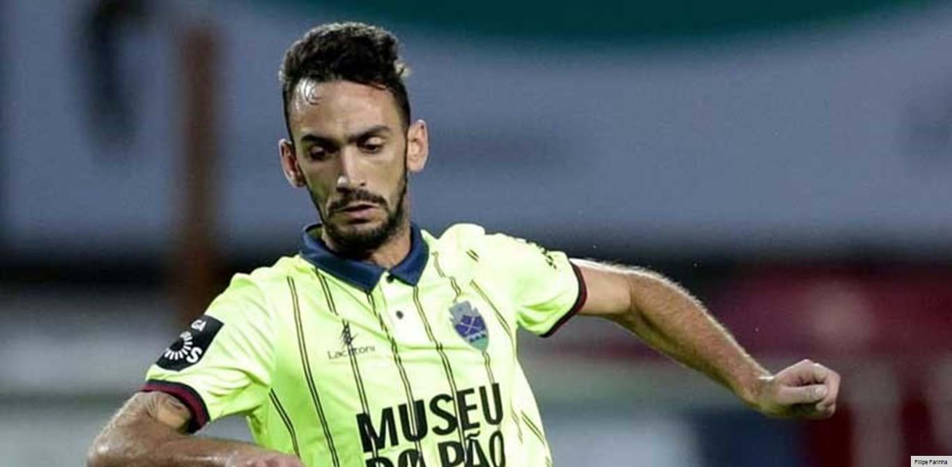 Rúben Ferreira rescinde por mútuo acordo