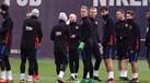 Jordi Alba atrasou-se e o plantel não perdoou