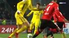 Pura magia: Neymar assistiu e Cavani marcou
