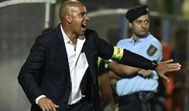 Petit, Pepa e Sérgio Vieira multados... por dar indicações para dentro de campo