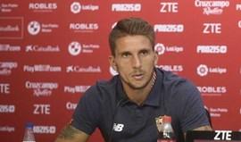 Daniel Carriço inicia recuperação com bola no Sevilha