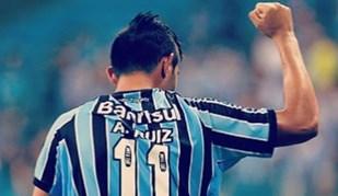 Alan Ruiz 'de olho' no Grémio e adeptos do Sporting não perdoam