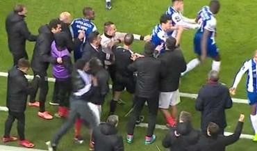 Adepto do FC Porto invadiu relvado e empurrou Pizzi