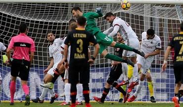 Guarda-redes do Benevento e o golo ao Milan: «Saltei e fechei os olhos»