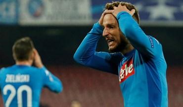 Nápoles falha assalto à liderança após jogo a zero frente à Fiorentina