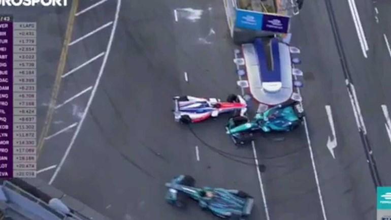 Isto era Fórmula E, mas mais parecia carrinhos de choque!