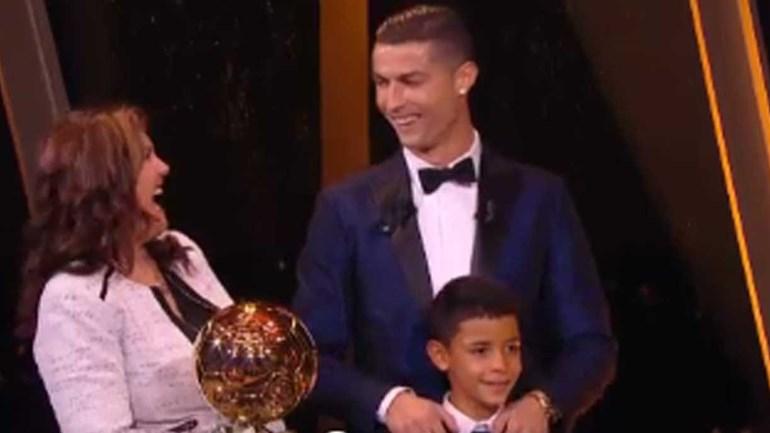 Dolores falou francês, Cristianinho inglês e Ronaldo disse... tudo