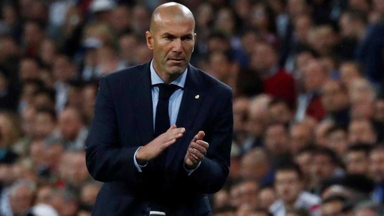 Bis de Cristiano Ronaldo em dia de 'manita' do Real ao Sevilha