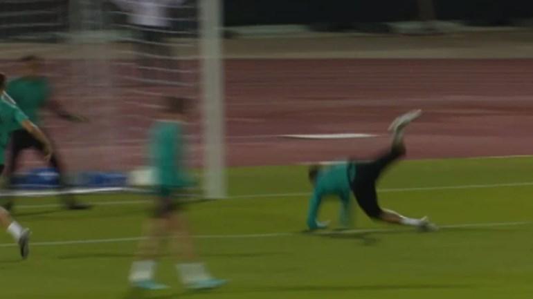 Nem tudo correu bem nesta cabeçada de Cristiano Ronaldo