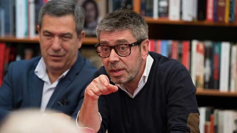 Benfica a cair aos pés de FC Porto irredutível