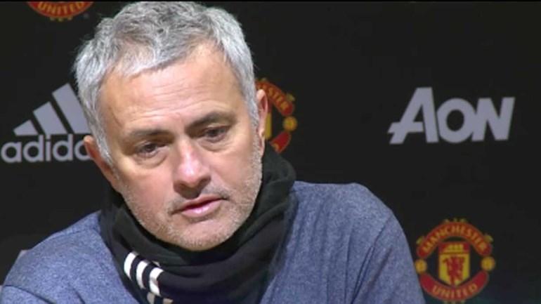 Luke Shaw até deve ter ficado corado ao ouvir estas palavras de Mourinho