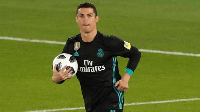 Cristiano Ronaldo o melhor da história? Digam-lhe que não brinque