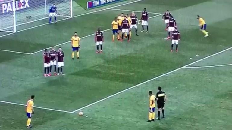 Será que Pjanic consegue marcar golo daqui?