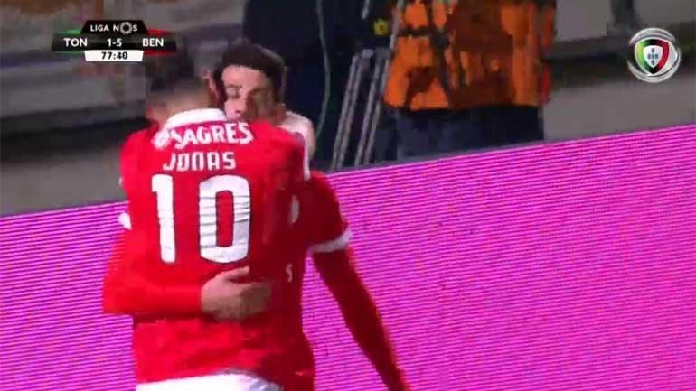 Benfica respondeu e chegou à mão cheia de golos