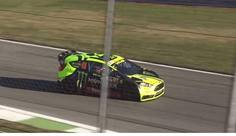 Valentino Rossi continua a dar lições... nos ralis