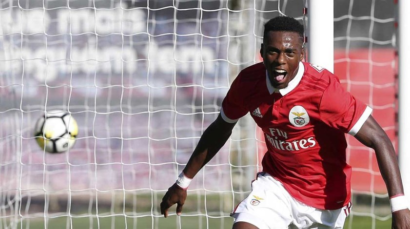 Benfica B-Arouca 1-0: Heriberto foi abono de família