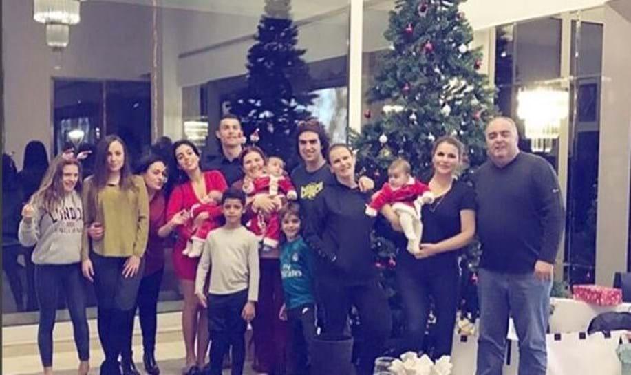 Ronaldo partilha fotografia da noite de Natal
