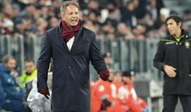 Torino demite Mihajlovic... que recebeu apoio dos jogadores durante a noite