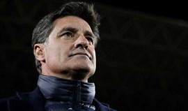 Maus resultados levam Málaga a despedir o técnico Míchel