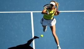 Caroline Wozniacki sofreu para passar à 3.ª ronda
