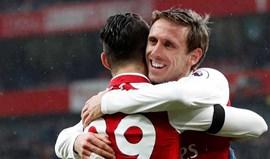 Arsenal goleia no regresso aos triunfos
