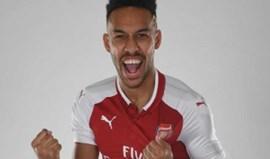 Arsenal oficializa Aubameyang
