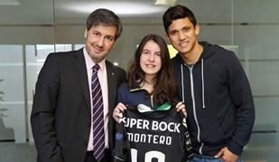 Filha de Bruno de Carvalho com duas camisolas especiais de Montero