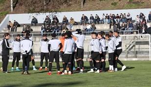 Depois da invasão, o V. Guimarães fez um treino aberto e o cenário foi este