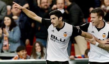 Valencia triunfa com grande exibição de Gonçalo Guedes