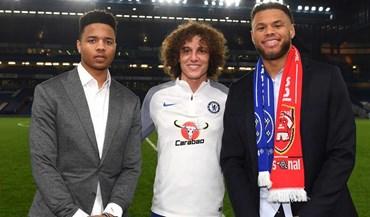 Estrelas da NBA assistem a jogo do Chelsea com o Arsenal