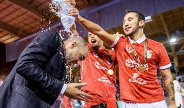 A festa do Benfica na final da Taça da Liga de futsal