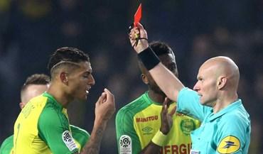 Presidente do Nantes arrasa árbitro que caiu e expulsou jogador