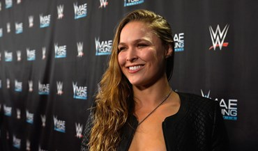 UFC: Ronda Rousey assina pela WWE