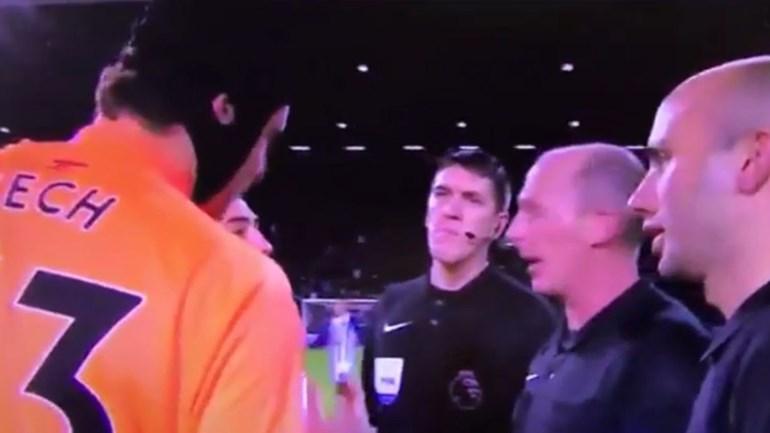 Quando Cech chama c***** de m**** ao árbitro alguma coisa não está bem...