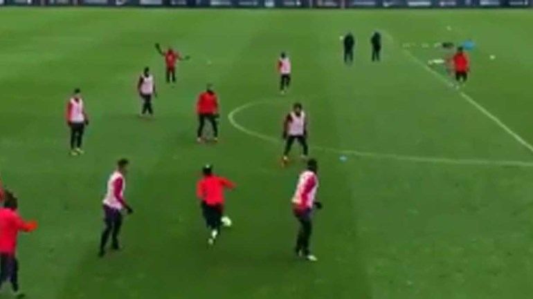 Finta impressionante de Neymar num treino