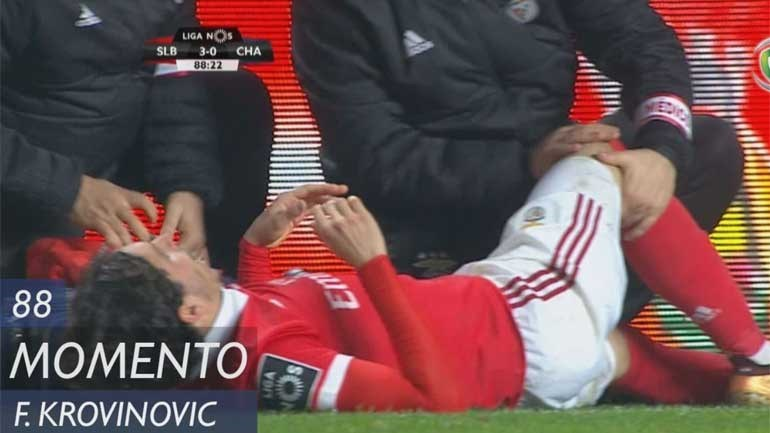 O momento em que Krovinovic se lesionou e deixou os benfiquistas assustados