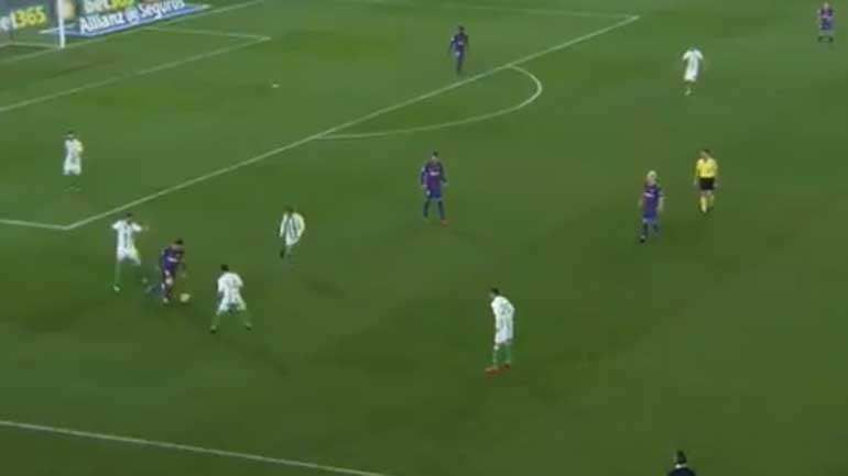 Messi marcou duas vezes mas é este lance (genial) que resume a sua qualidade
