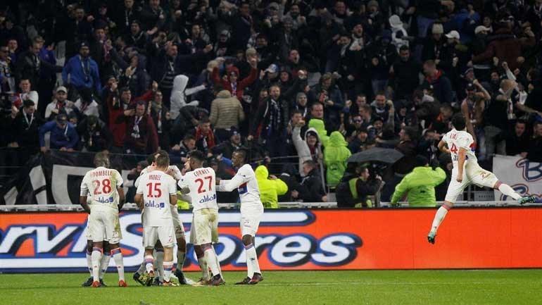 Sem Neymar, PSG sofre gol no último minuto e perde para Lyon