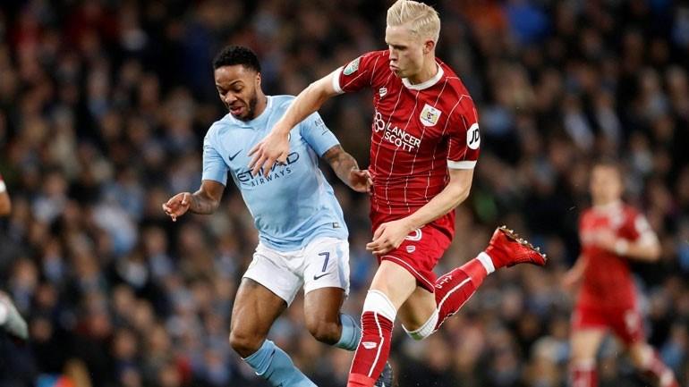 Agüero dá show, City bate o Newcastle e segue disparado no Inglês
