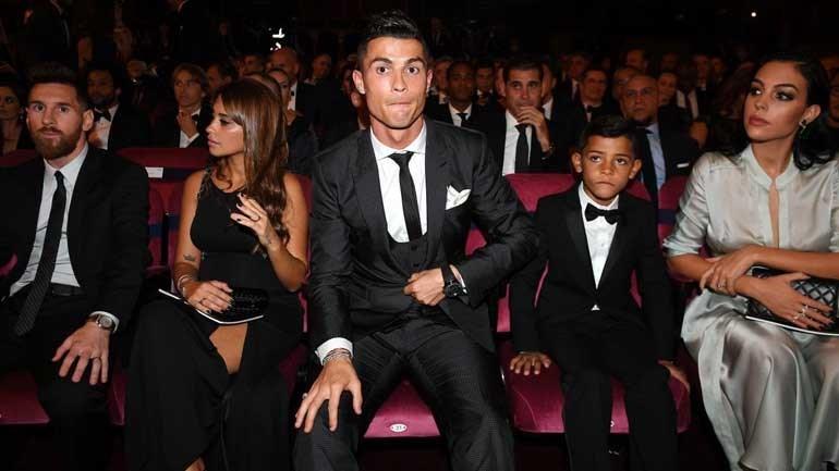Messi diz que o Barcelona está mais equilibrado sem Neymar