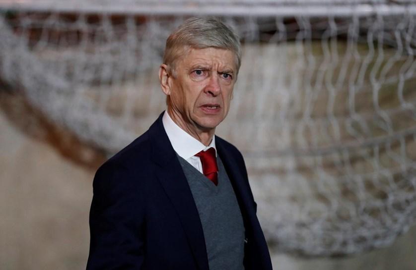 Manchester United oficializa a contratação de Alexis Sanchez