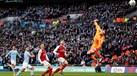 Claudio Bravo, Agüero e... chapéu: assim foi o golo do Manchester City