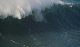 Prova da Nazaré do circuito mundial de ondas gigantes disputa-se sábado