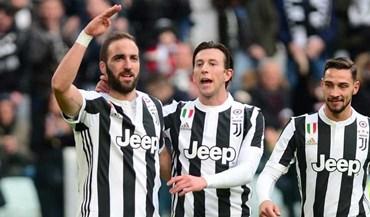 Juventus arrasa Sassuolo com hat trick de Higuaín