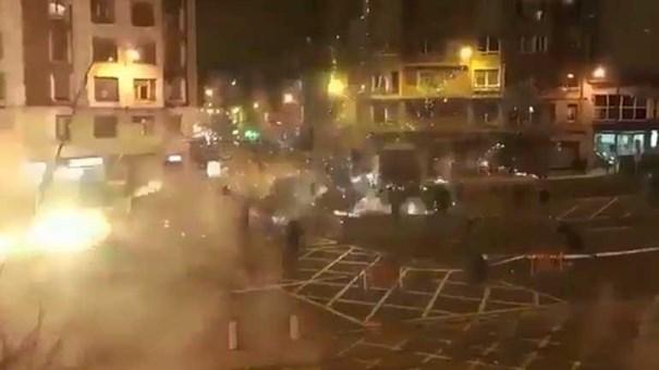 Espanha: Polícia morre após confrontos entre adeptos