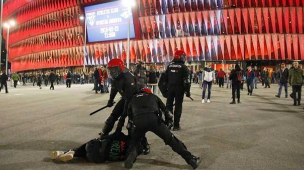 Polícia morre de enfarte nos confrontos em Bilbau