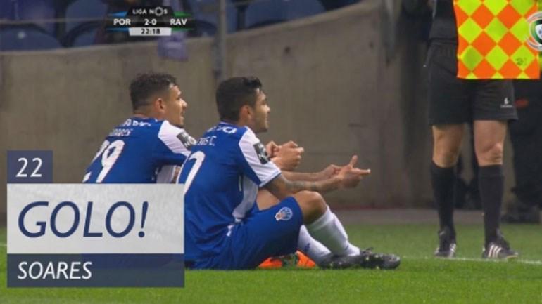 Cabeceamento imparável de Soares para o segundo golo do FC Porto